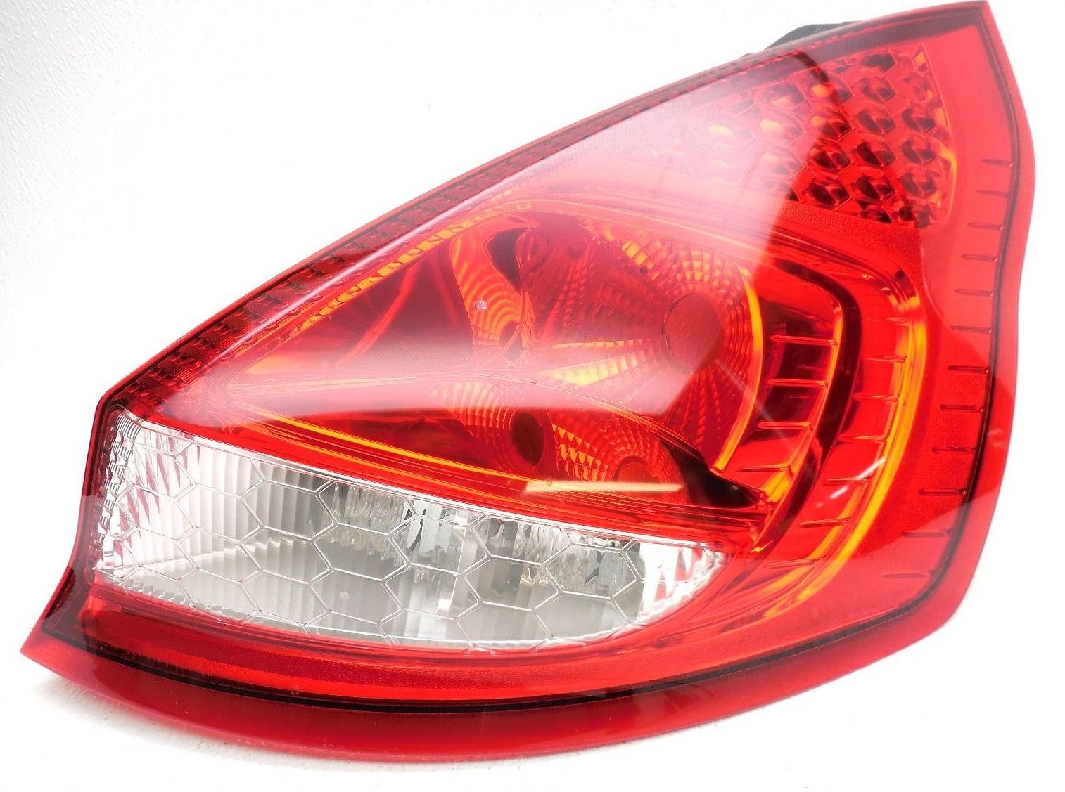 LATTEST TAILLIGHT ASSY FOR FORD FIESTA (RIGHT)
