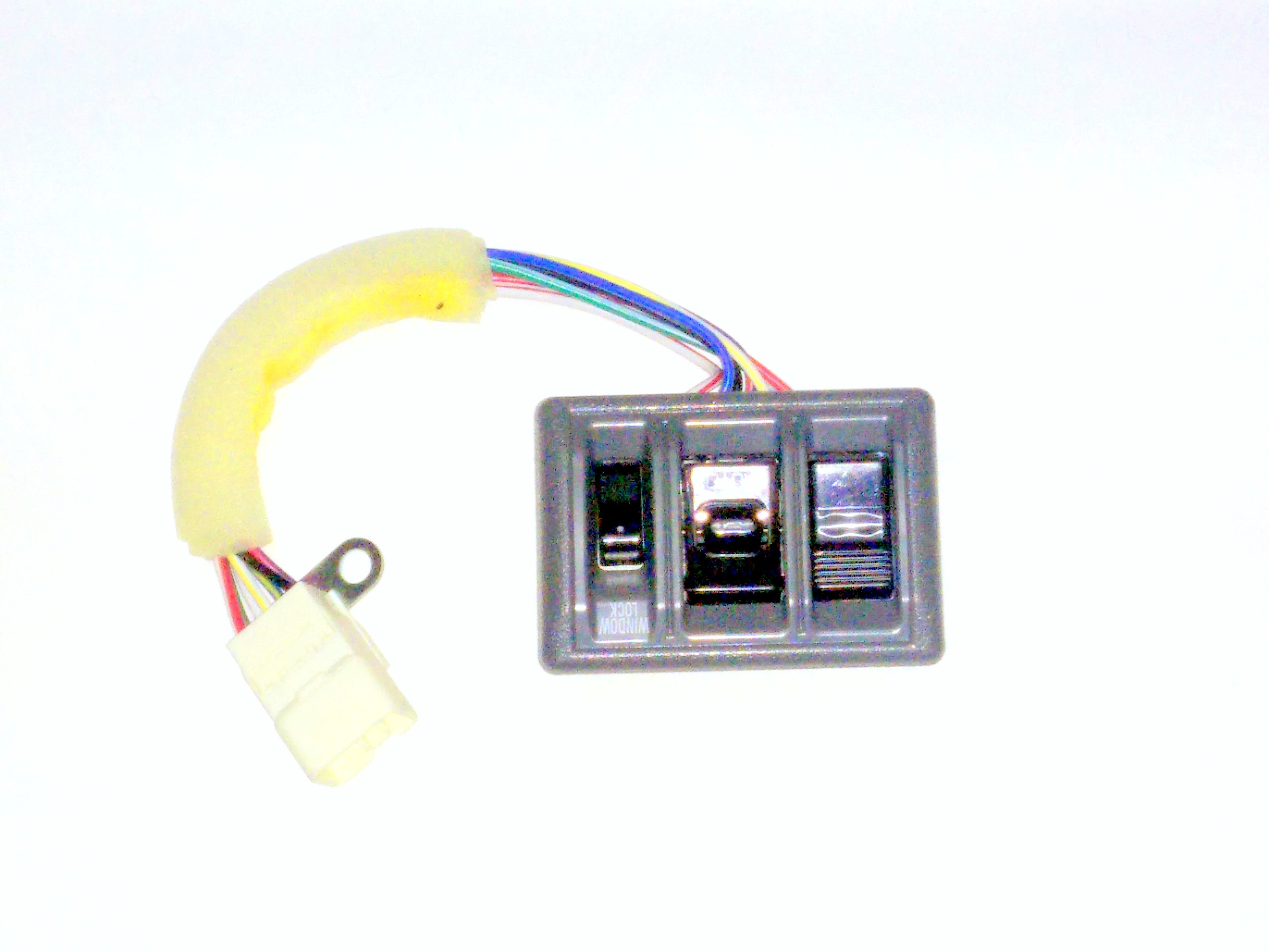 POWER WINDOW SWITCH FOR TOYOTA QUALIS OLD MODEL(FRONT RIGHT)