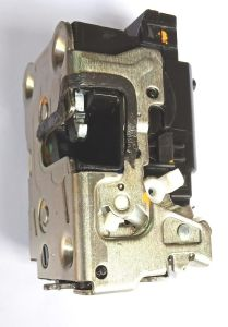 DOOR LOCK FOR RENAULT DUSTER (FRONT LEFT) MODEL 2012